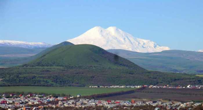 Гора Джуца и Эльбрус